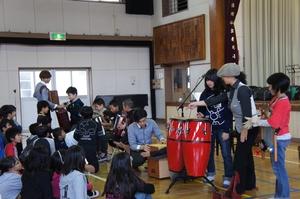 楽器の指導.JPG